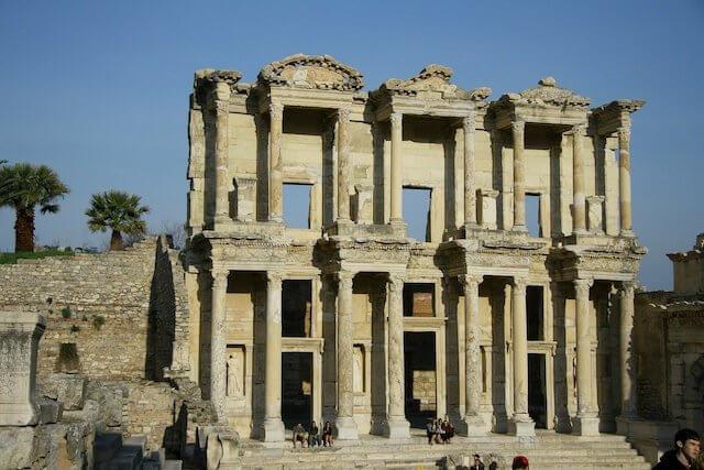 Celsus-Bibliothek, Ephesos (Image by PublicDomainPictures from Pixabay)