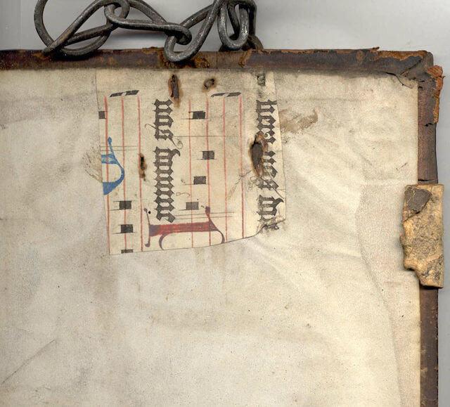 Kettenbuch Pergamentflicken (Public domain, via Wikimedia Commons)