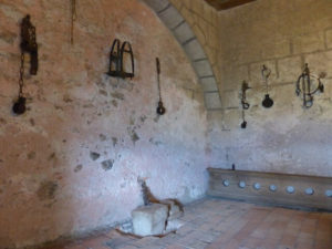 Mittelalterliche Berufe: Das Zuhause des Folterknechts, die Folterkeller